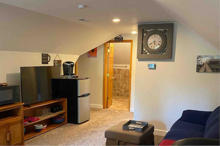 2 Bedroom Private Suite in Fountain City