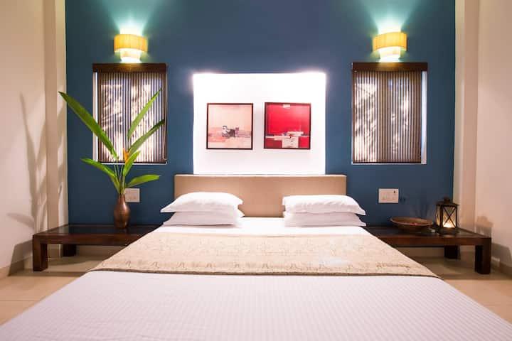 2 BHK Luxury Villa - 2min walk to Kihim Beach