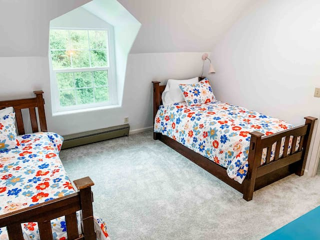 Second bedroom includes two twin beds and a twin trundle