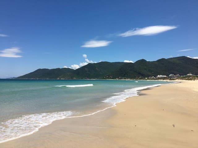 Apartamento na Praia dos Açores - temporada em SC.