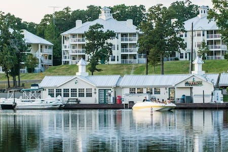 TIMESHARE 1 B/R Condo at Apple Mountain, Georgia - Clarkesville