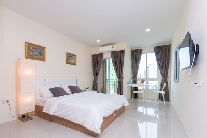 BANGKOK Bangna double-bed studio A