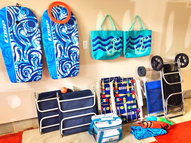 There's plenty of beach gear available for use, save money on buying beach gear!