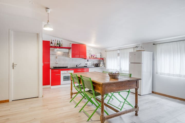 Cosy Apartment in Saint-Didier with Open Kitchen