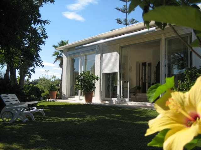 Top Ferienhaus am Meer mit Pool - Marbella - Rumah