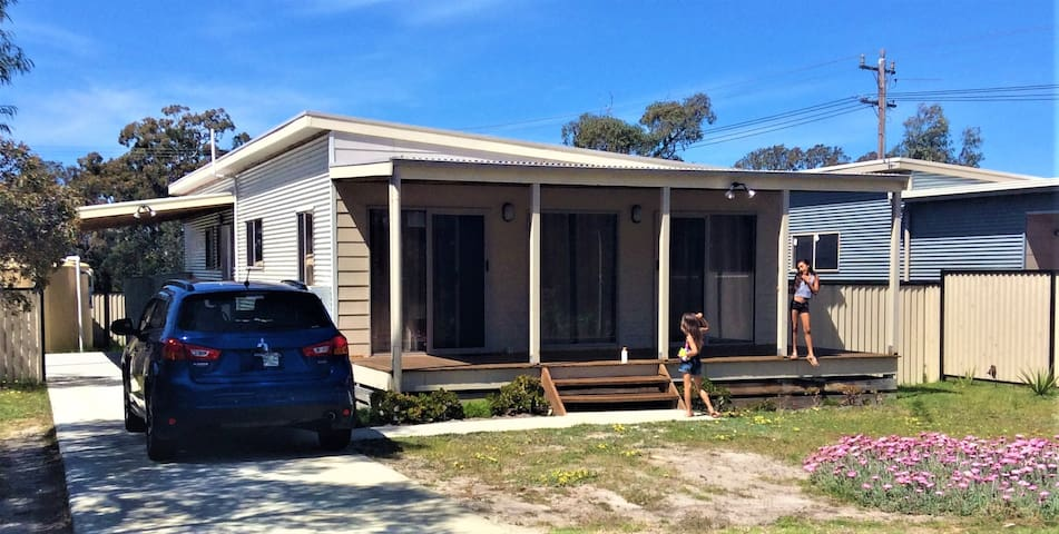 Loch Sport Home - Close to beach and all amenities