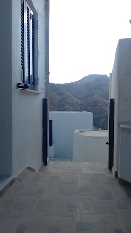 Cycladic house White and Blue in Kato Chora