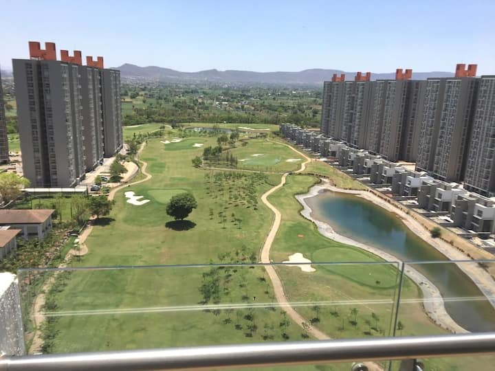 Golf View flat for a peaceful and serene stay