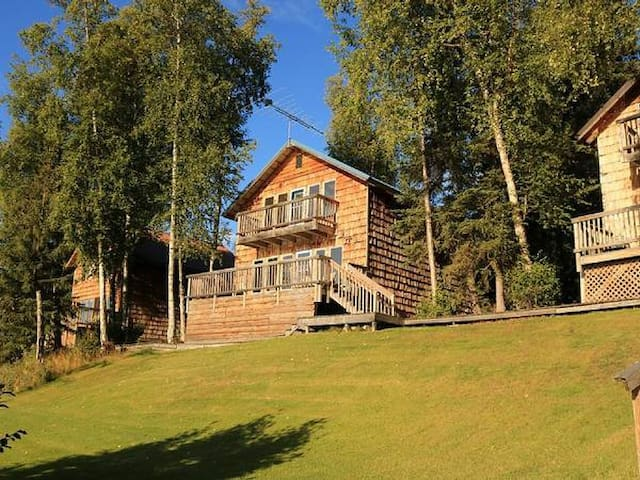 Eagle Lodge - Vacation Home on Private Loon Lake