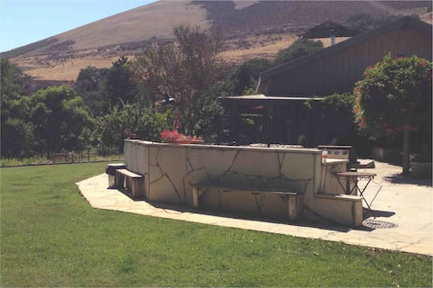 Wine country retreat in Tepusquet canyon....