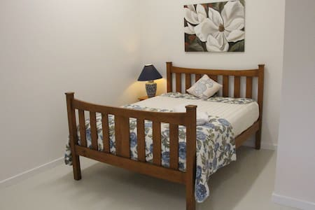 Four Hills Farm guest house- peaceful & convenient - Mandalong