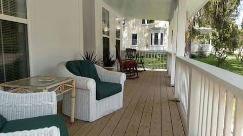 Delaware House Inn - Farmhouse Suite #1