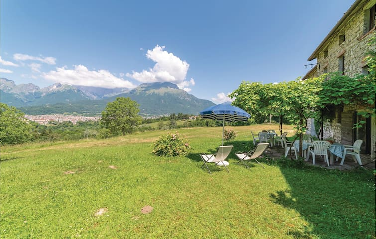 Holiday apartment with 2 bedrooms on 80m² in Belluno -BL-