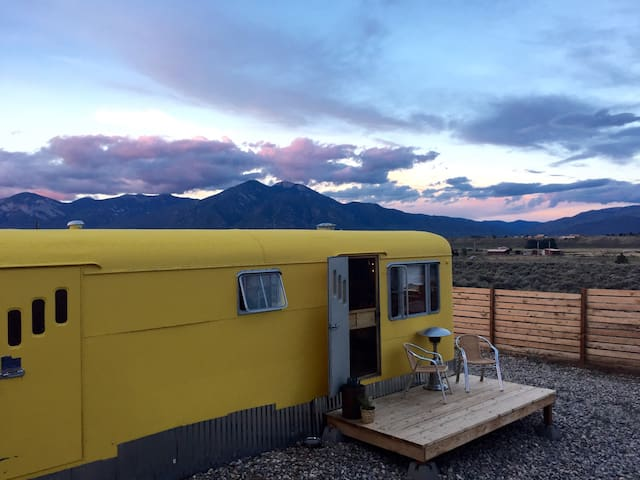 Vintage Trailer Mountain Views - Taos - Autre