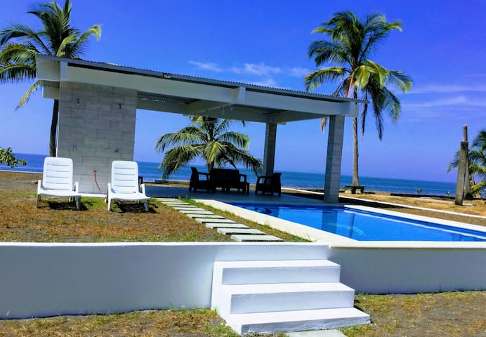 Lovely beachfront family house with private pool