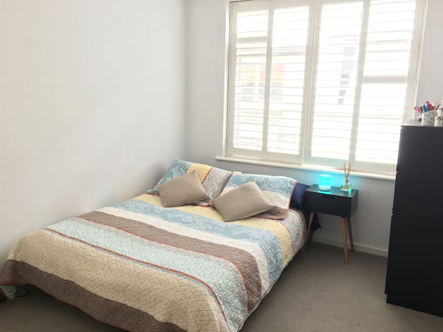 Bright and cosy apartment in Armadale - Armadale - Apartamento