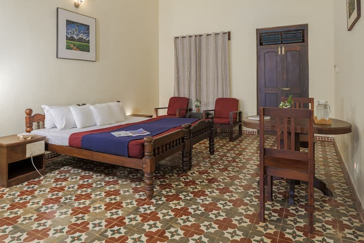 Deluxe Room in a Heritage Home III
