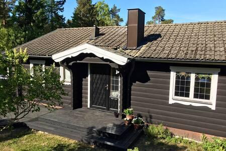 Swedish log cabin a close walk to Ålands sea.