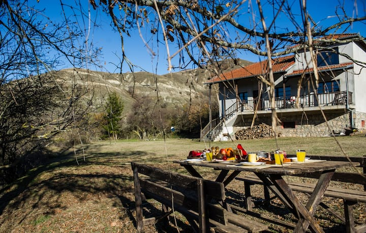 The Prespa - authentic cottage house