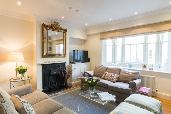 Beautiful 3bedroom house cobbled Kensington mews - Lontoo - Talo