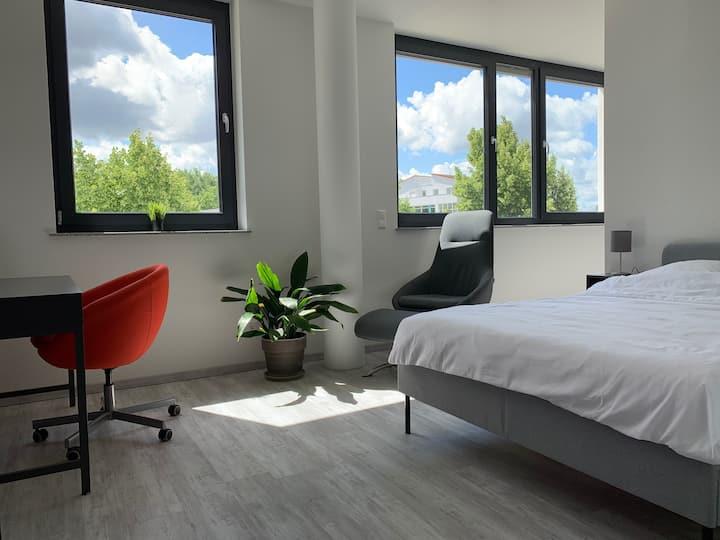 Neues Apartment im Zentrum / Nahe Audi & Lidl / TG