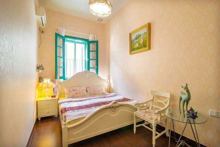 鼓浪屿柒彩玲珑阁浪漫大床房