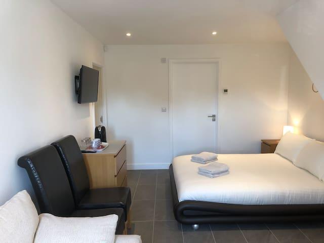 Guests Bedroom.