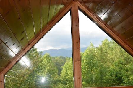 Mtn View from Bedroom, 2 Beds/2BA, Wifi, Hot Tub