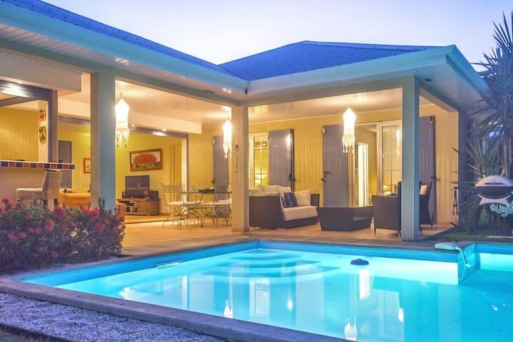 Villa Pomme Malaka, piscine jardin