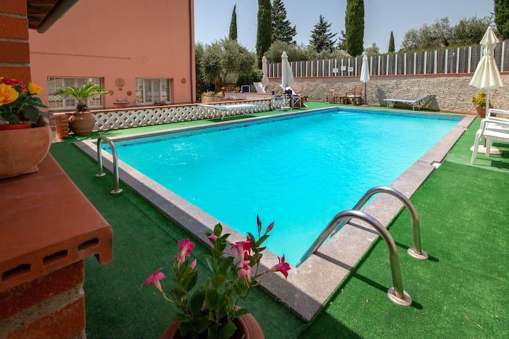 Appartamento in Casale di campagna con piscina