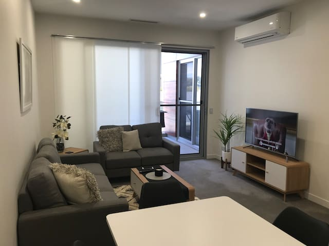 Modern 1 bed apartment Rivervale with Pool+Gym