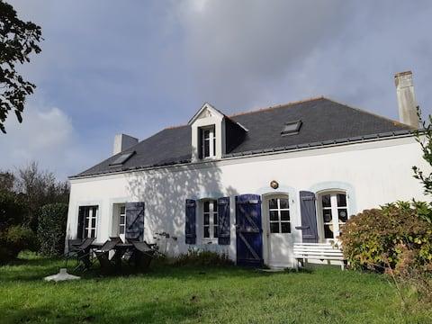 Belle maison Belliloise, proche de la côte sauvage