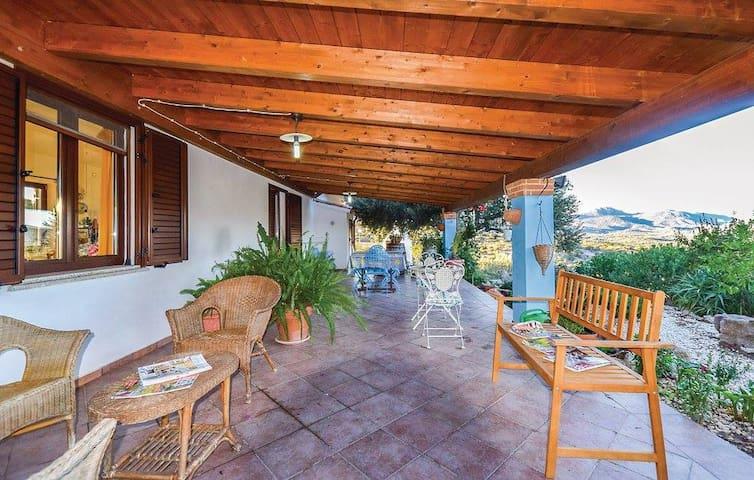Villa Badu Carros - Oliena - 一軒家