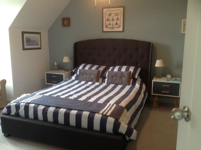 Double room.  Oakwood Bed and Breakfast