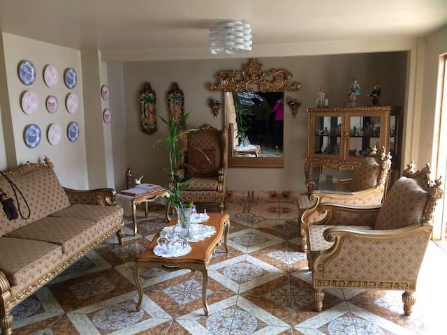 Linda habitación en zona céntrica de Lima