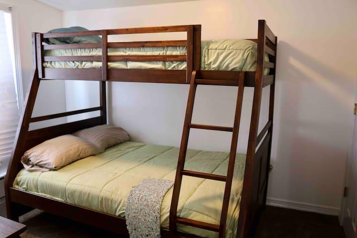 2nd Floor Twin/Full Bunkbed Bedroom