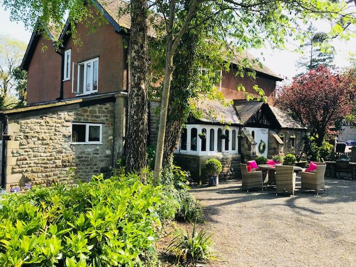 Coombe Lodge Farm House B&B Twin - 'Fearon'