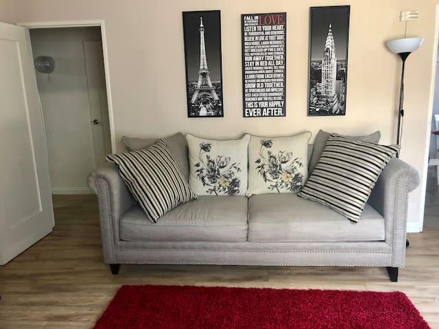 LosFeliz Furnished One Bedroom Apartment + Parking