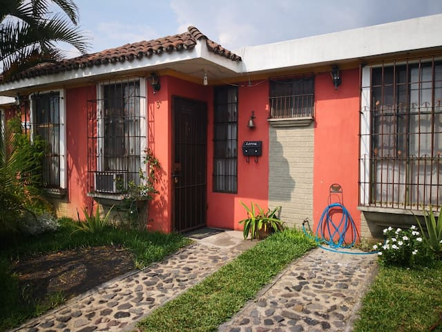 Great single family home minutes from Antigua.