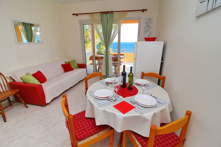 Villa Barbon - One Bedroom Apt with Sea View
