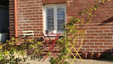 Stylish Garden Studio