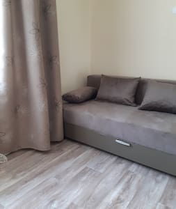 APARTMENT NEAR THE RAILWAY STATION , Irkutsk