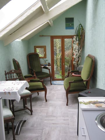 "Guernancaffre  ""The Little Nook"" - Callac - Pension"