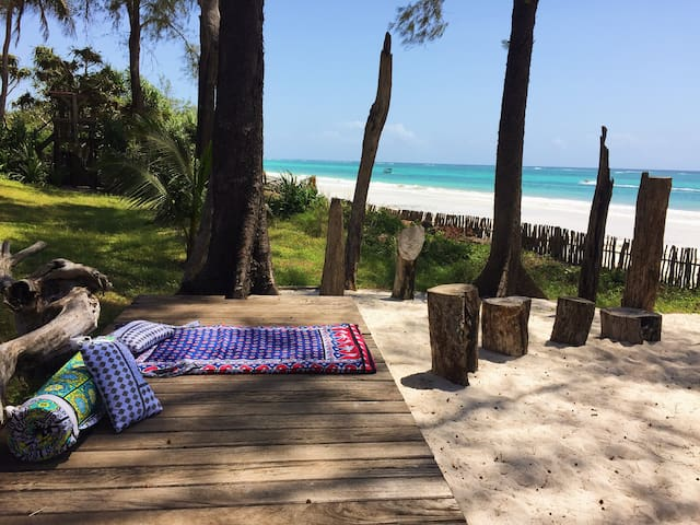 Inshalla Cottage Diani, Stunning Beachfront Luxury - Diani Beach - Casa
