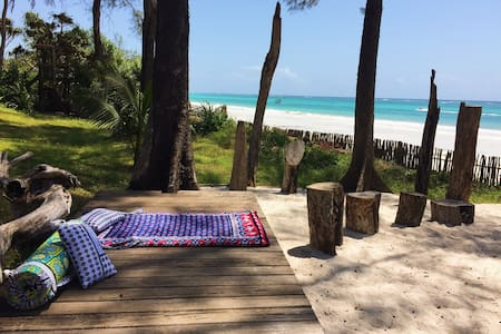 Inshalla Cottage Diani, Stunning Beachfront Luxury - Diani Beach - Ház