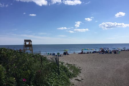 BEACH HAVEN II! Next to Matunuck Ranch by The Sea! - 사우스 킹스타운(South Kingstown)