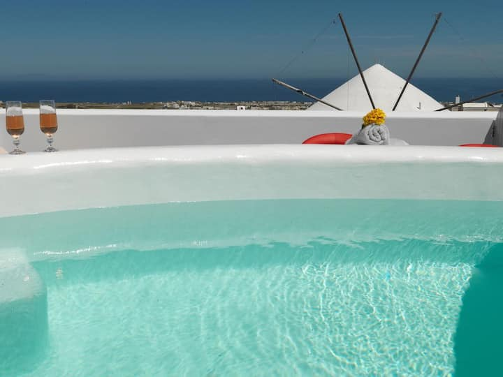 Drops SeaView House with Private Outdoor Jacuzzi