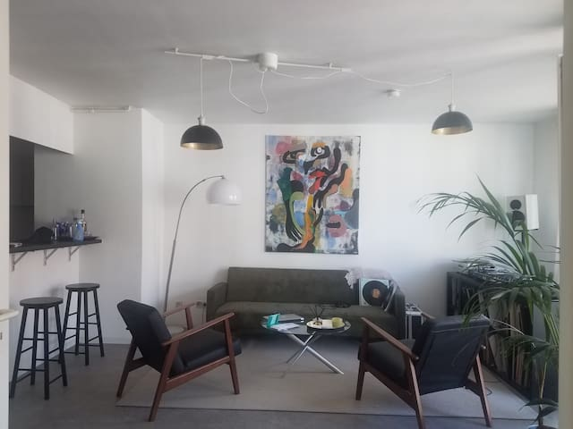 Spacious and artsy apartment in Friedrichshain