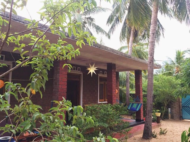 3 bed house with a lovely garden, 3 min from beach - Arugam Bay - House