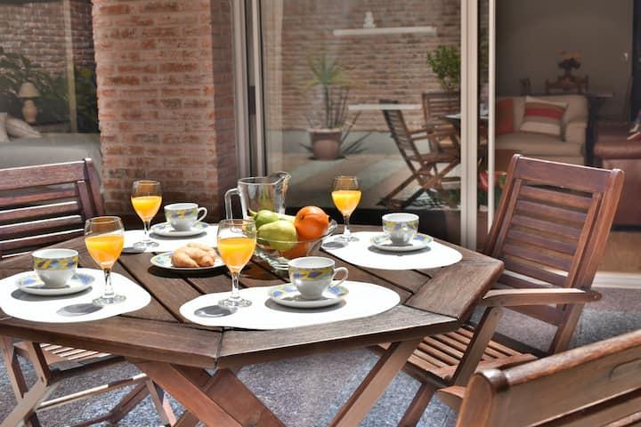 Centrico, gran patio, TV smart, A/Ac, gge